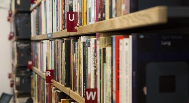 Kody na e-booki czekają w pięciu filiach biblioteki, w tym w Bibliotece pod Żółwiem