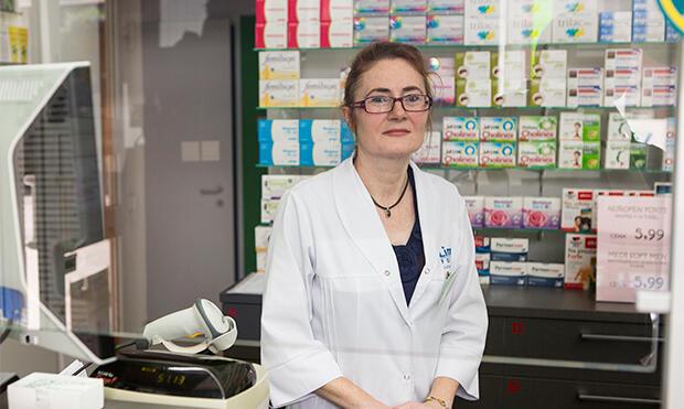 Ewa Bakun z apteki Aksamitna w Gdańsku: – Mamy stałych klientów, którzy przyjeżdżają do nas nawet z Tczewa, jak możemy ich odesłać z niczym?