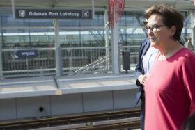 Premier Ewa Kopacz w niedzielę pojechała PKM-ką ze Strzyży na lotnisko w Rębiechowie.