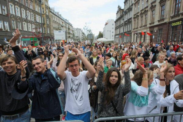 Na festyn na Łąkowej, mimo deszczowej pogody, przyszły tłumy gdańszczan i przyjezdnych.