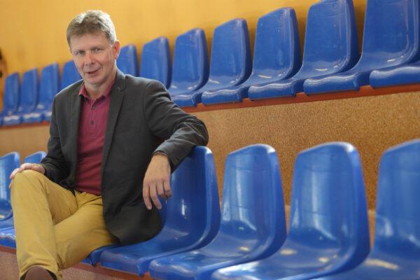 Dyrektor Jacek Mielewczyk: - Mamy świetne wyniki w nauce i sporcie.