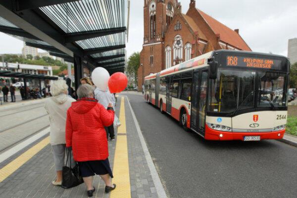 Autobus linii 168 przy pętli Siedlce.