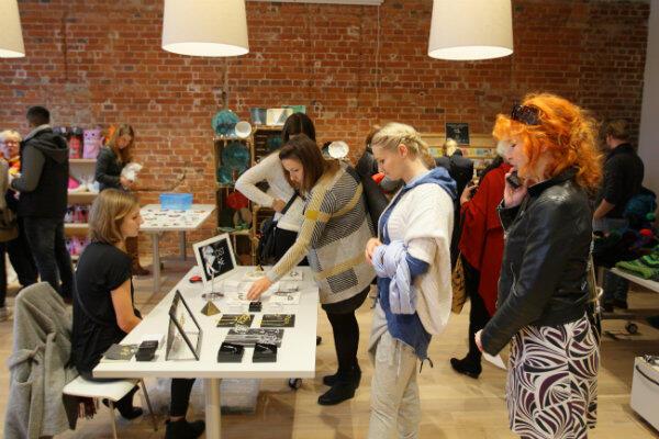 Targi w Esprit Haus zgromadziły nie tylko miłośników sztuki użytkowej, ale i mieszkańców ciekawych nowego miejsca.