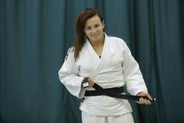 Niech nikogo nie zwiedzie ten uśmiech uroczej dziewczyny. To najlepsza judoczka w Polsce, Daria Pogorzelec!