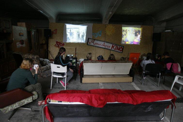 W Gdańsku od lat próbuje się przeciwdziałać pladze uzależnień wśród dzieci i młodzieży. Na zdjęciu - scena z zajęć w Towarzystwie Profilaktyki Środowiskowej Mrowisko na Dolnym Mieście, które istnieje już od 22 lat.