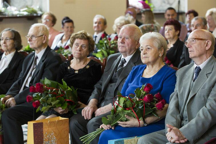 22 małżeństwa gdańszczan spotkały się w Ratuszu Głównego Miasta. 55, 60, 65 lat z tą samą osobą u boku.