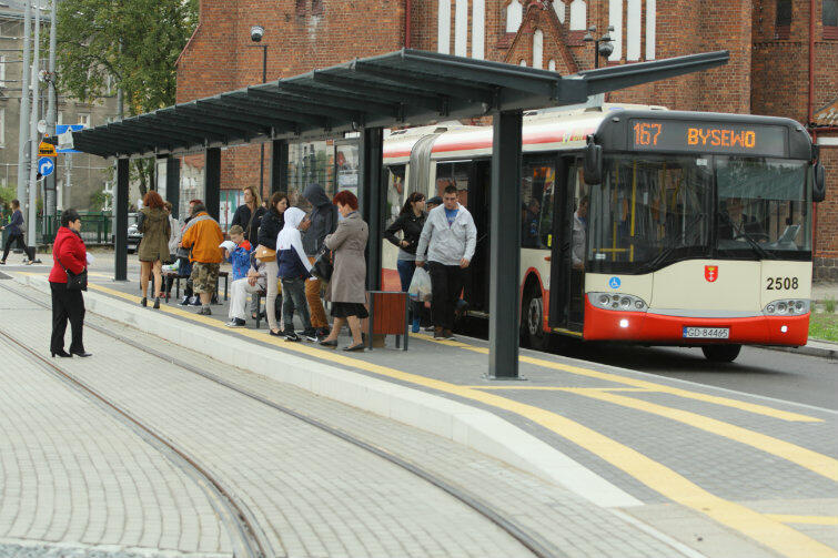 Autobusy linii 167 wracają do gdańskiego Śródmieścia.