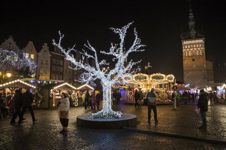 1002f9e09a94d Jarmark Bożonarodzeniowy przyciąga tych, którzy poszukują niebanalnych  prezentów.