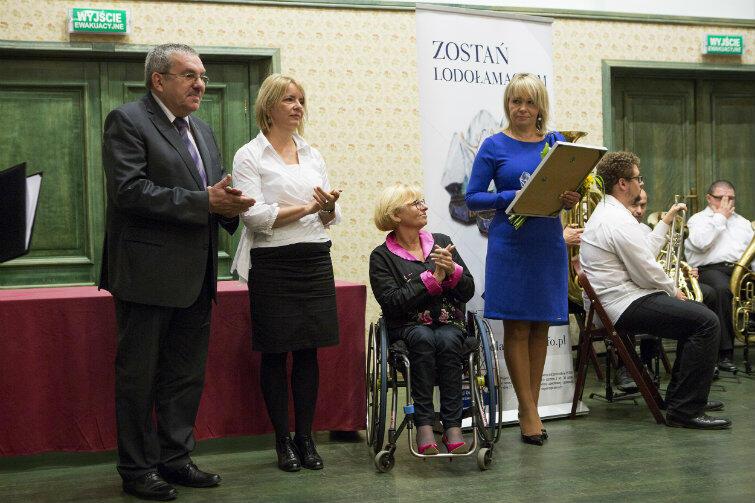 Lodołamacze to konkurs dla pomorskich pracodawców zatrudniających niepełnosprawnych. W 2015 roku I nagrodę w kategorii Lodołamacz specjalny odebrała Maria Małgorzata Mrozowska-Krawczyk.