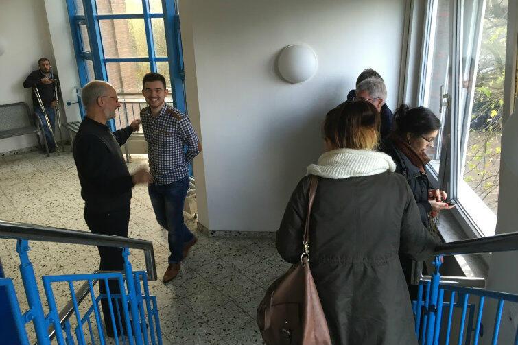 Brema. Gdańska delegacja zwiedza jeden z ośrodków dla uchodźców.