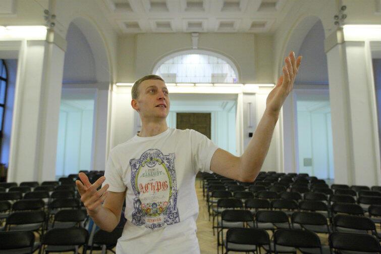 Po pierwsze, chciałem śpiewać, po drugie, wspinać się, po trzecie, studiować – mówi Kamil o motywach wyboru politechniki.