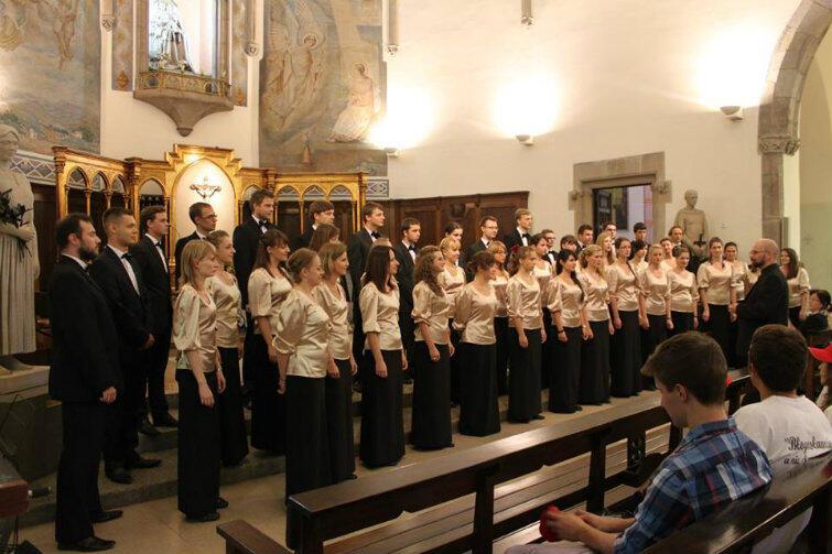 W ciągu półwiecza chór PG wystąpił około 800 razy.