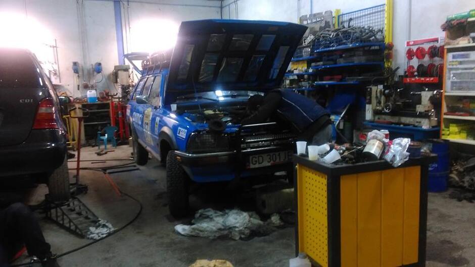 Peugeot 505 w warsztacie