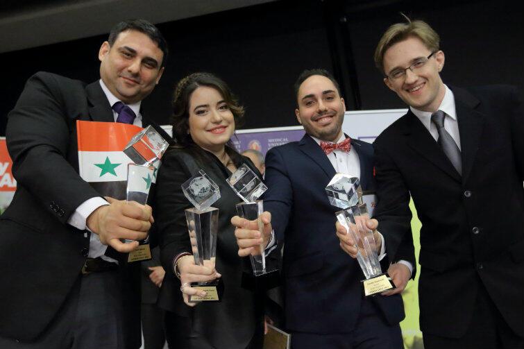Najlepsi studenci zagraniczni w Polsce (od lewej): Assef Salloom, Cristina Rodríguez Álvarez, Francesco Gubinelli i Timothy Mankowski.