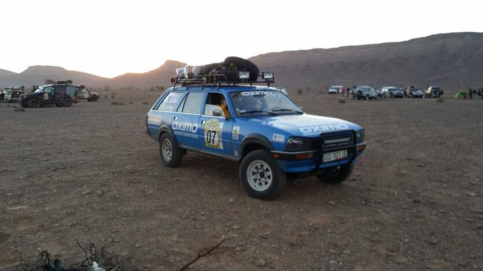 Attention Dangel Team na pustyni
