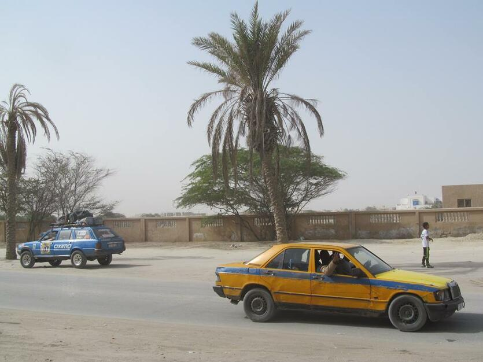 Niebieski na afrykańskiej drodze