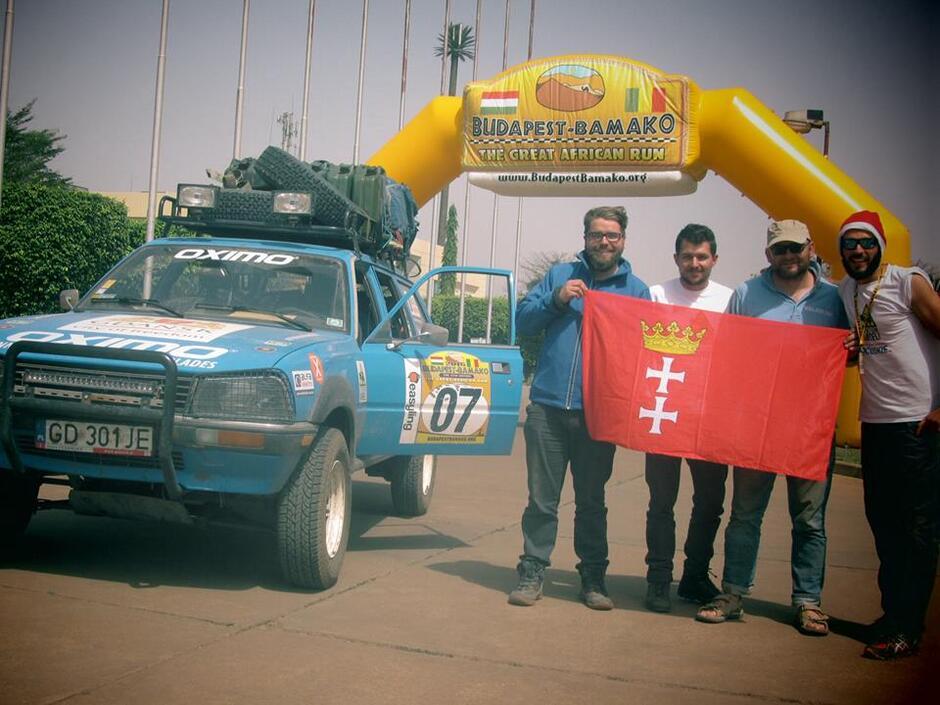 Gdańszczanie na mecie rajdu The Budapest-Bamako Rally