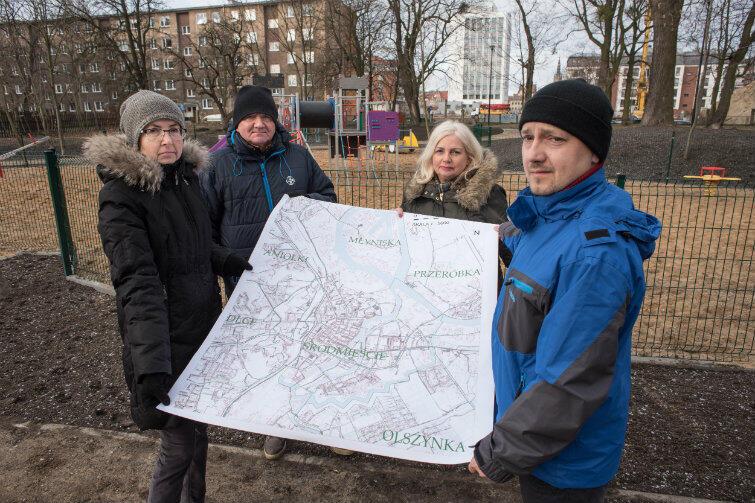 Radni Śródmieścia - to oni najlepiej znają potrzeby swojej dzielnicy. Do zdjęcia pozują na skwerze, który obecny wygląd zawdzięcza Budżetowi Obywatelskiemu. Przewodniczącym Zarządu Dzielnicy jest Paweł Zienkiewicz (z prawej).