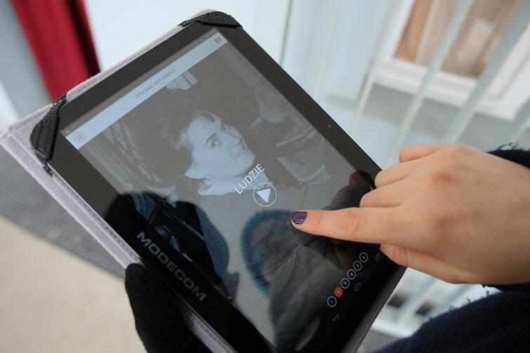 Aplikacja na tablety i smartfony opowiada codzienną historię pracownic stoczni.