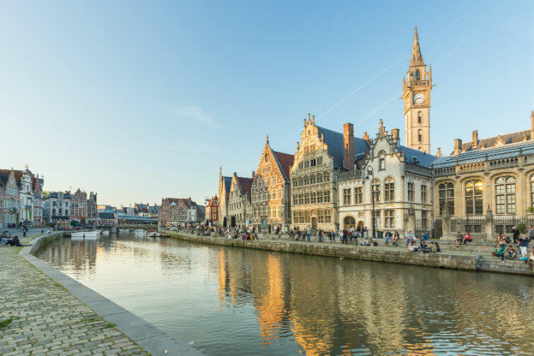 Gandawa, podobnie jak Gdańsk, jest miastem portowym. Ale - w przeciwieństwie do Gdańska - przez niemal 40 lat nie interesowała się swoimi mieszkańcami-imigrantami.