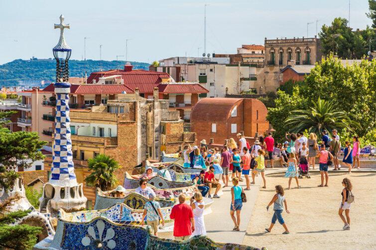 Mieszkańcy Barcelony są przyzwyczajeni do różnorodności kultur i strojów na ulicach swojego miasta.