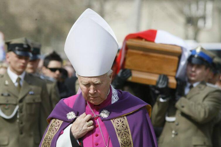 Cmentarz Srebrzysko. Pogrzeb Arkadiusza Rybickiego, który zginął w katastrofie samolotu prezydenckiego pod Smoleńskiem.
