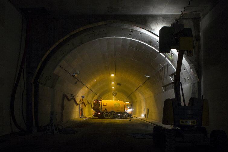 Tunel, jeszcze w czasie ostatnich prac wykończeniowych, na początku 2016 r.