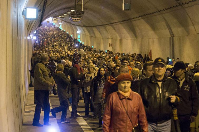 20, 30 a może 40 tysięcy? Wielu gdańszczan pojawiło się, by podziwiać tunel pod Martwą Wisłą. Byli rowerzyści, biegacze i piesi