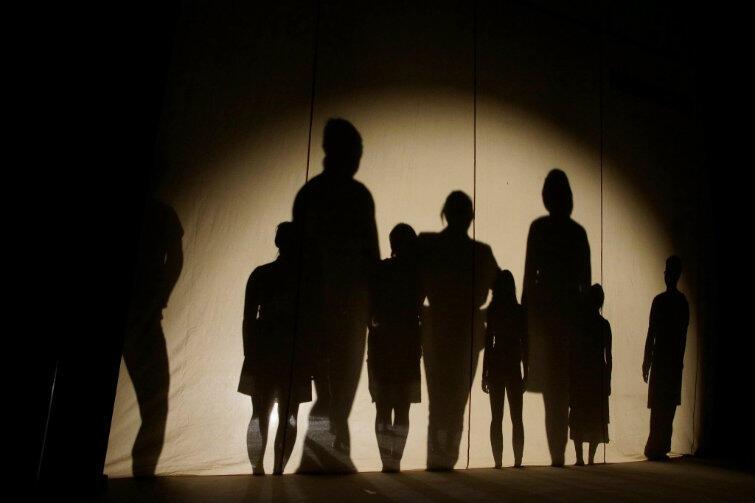 Zdjęcie ze spektaklu Teatru Modrzejewskiej w Legnicy. Ciekawe? Może warto się zainspirować?