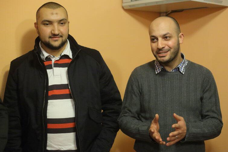 Przyjeżdżają tu po pracę i pokój. Agent nieruchomości Aws Kinani z Tunezji (po lewej) i stomatolog Mohamed Atoun z Palestyny.