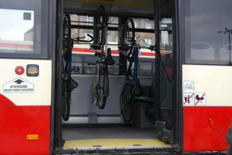 W autobusach linii 258 przewozić można maksymalnie osiem rowerów
