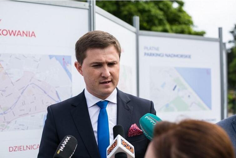 - To pilotażowy program, pomóc ma w uporządkowaniu rozjeżdżanych dotychczas przez turystów stref nadmorskich - tłumaczy zastępca prezydenta Gdańska Piotr Grzelak