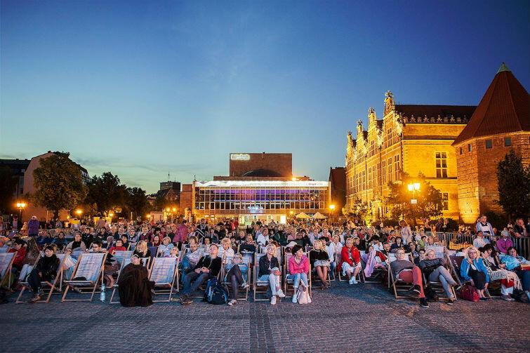 Przed rokiem operę na Targu Węglowym oglądało blisko tysiąc osób