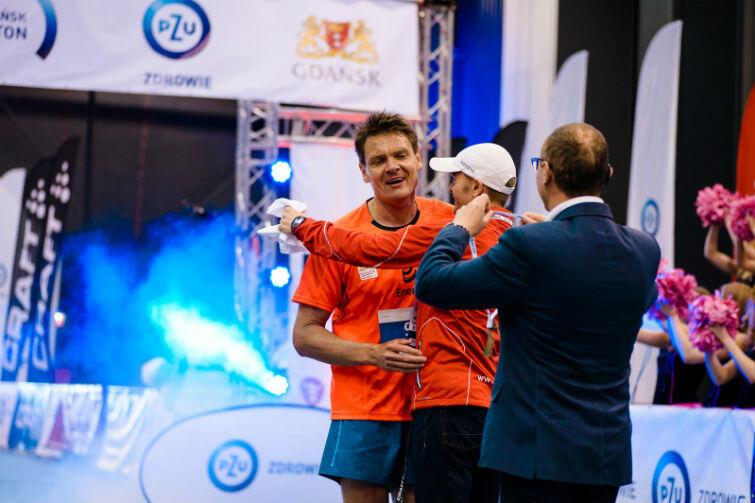 W pierwszej edycji PZU Gdańsk Maraton startował Adam Korol, mistrz olimpijski, świata i Europy w wioślarstwie, były minister sportu, poseł na sejm. Bieg ukończył. W tym roku także liczy na minięcie linii mety