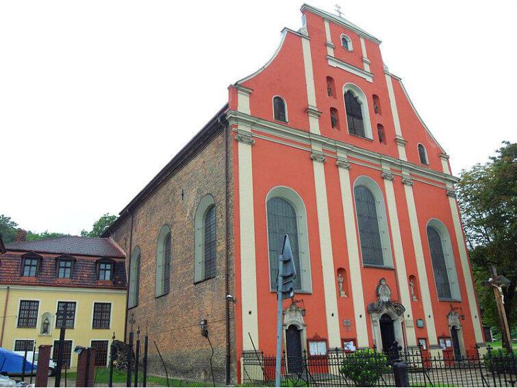 Kościół św. Ignacego na Starych Szkotach - małej, ale interesującej dzielnicy Gdańska, która sąsiaduje z Orunią.