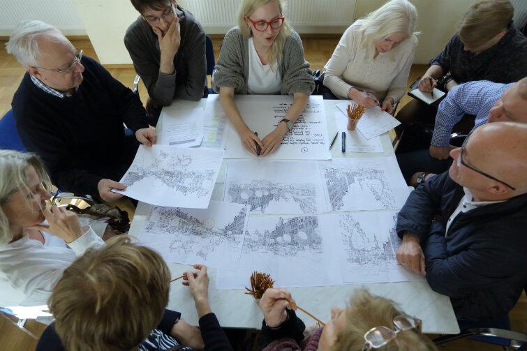 Tym razem gdańszczanie zostali skonfrontowani z wizualizacją swoich opinii na temat salonu Gdańska.