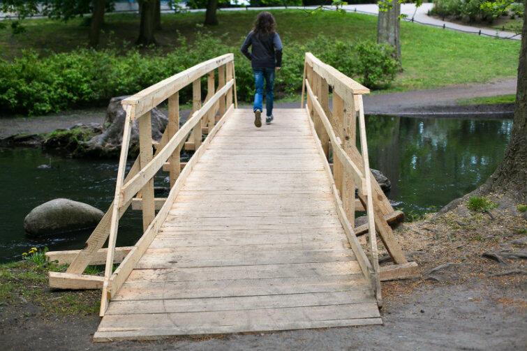 Mimo prac budowlanych Park Oliwski jest w całości dostępny - przygotowano tymczasowe kładki dla zwiedzających.