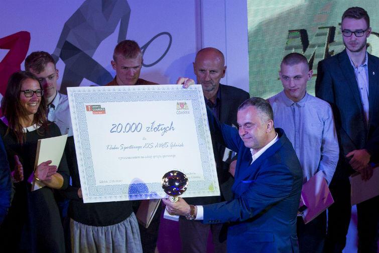 Najwięcej nagród zebrali zawodnicy i trenerzy AZS AWFiS. Klub otrzymał także najwyższą nagrodę finansową, którą odebrał rektor gdańskiej uczelni i prezes klubu w jednej osobie - Waldemar Moska