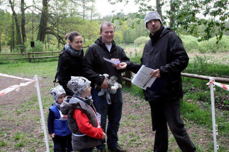 W Trójmiejskich Grach Parkowych coraz chętniej uczestniczą całe rodziny.