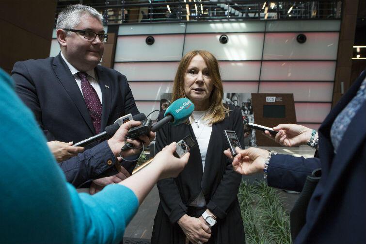 Piotr Kowalczuk, zastępca prezydenta ds. polityki społecznej oraz Beata Dunajewska, przewodnicząca Komisji Spraw Społecznych i Ochrony Zdrowia Rady Miasta Gdańska