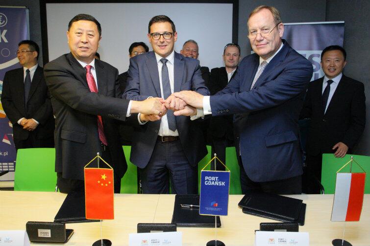 Gdański port rozpoczyna współpracę z chińskim partnerem w Qingdao