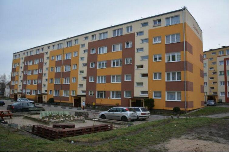 Bywa, że dobre relacje sąsiedzkie uruchamiają inicjatywę - tak jak w tym bloku przy Żuławskiej, gdzie również skorzystano z programu Wspólne Podwórko.