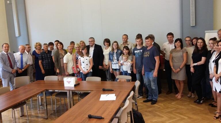 Wspólne zdjęcie podczas spotkania w Urzędzie Miejskim.