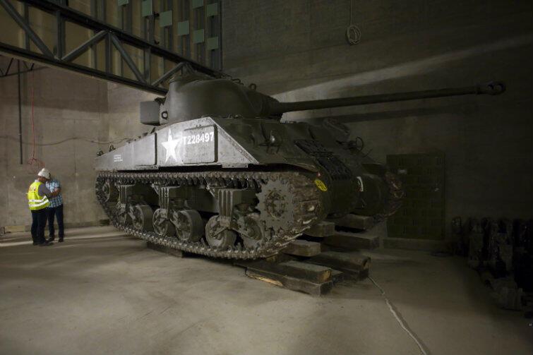 Sherman firefly z oznaczeniami dywizji generała Maczka. Jedna z setek atrakcji muzeum.