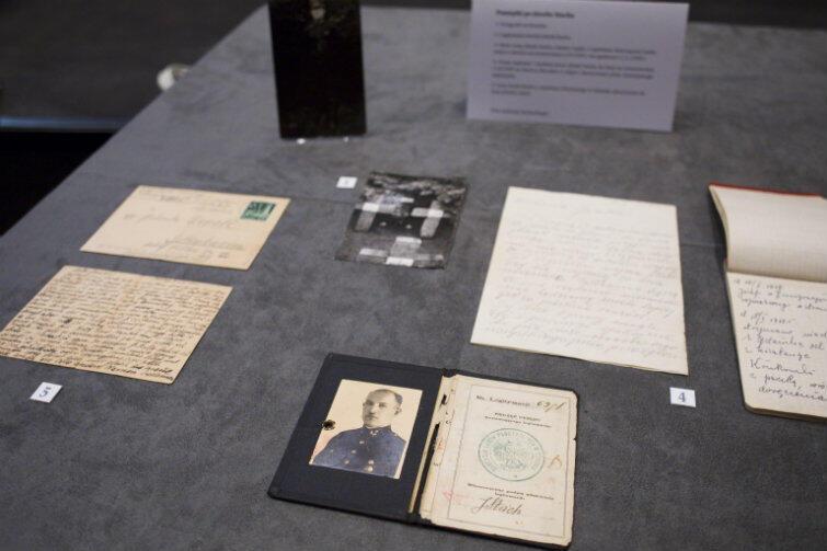 Setki osób przekazały do Muzeum II WŚ swoje cenne rodzinne pamiątki...