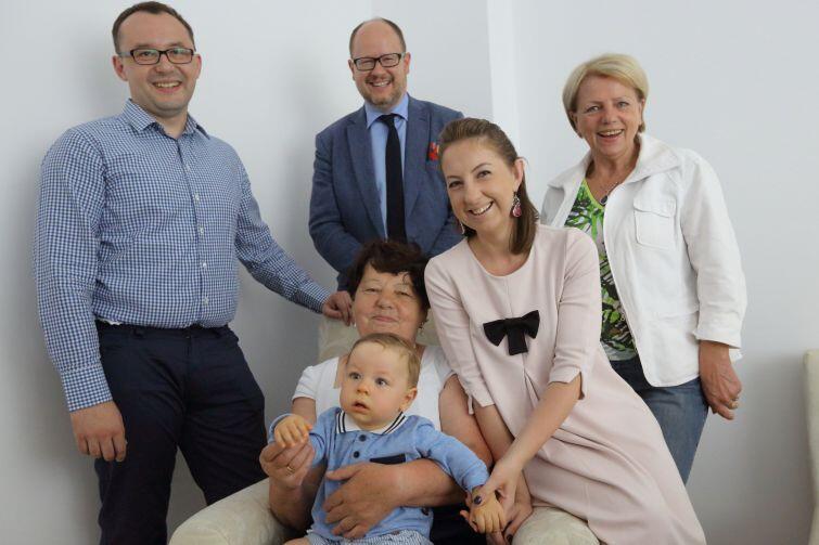 We wtorek repatriantów z Kazachstanu odwiedził prezydent Gdańska Paweł Adamowicz i sekretarz Miasta, Danuta Janczarek (pierwsza z prawej)