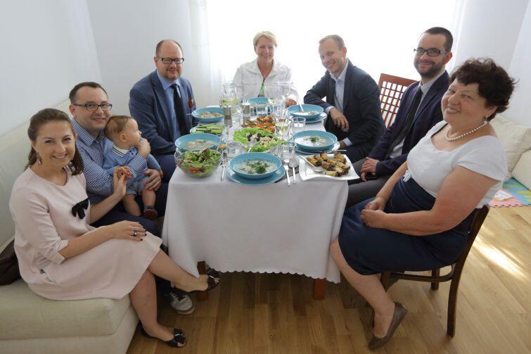 W spotkaniu wziął też udział dyrektor Wydziału Rozwoju Społecznego, Grzegorz Szczuka (drugi z prawej). Od września WRS będzie odpowiedzialny za sprawy repatriantów