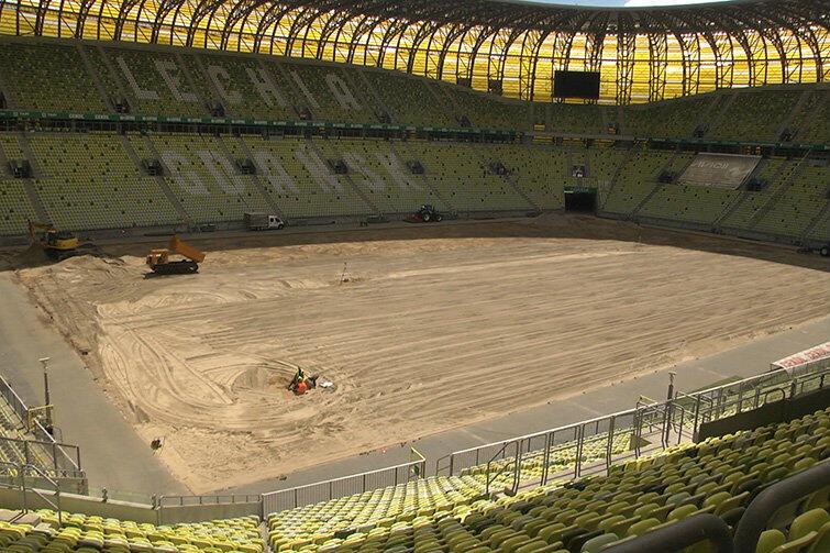 Zobacz jak wygląda Stadion Energa Gdańsk bez murawy. Położą nową… hybrydową