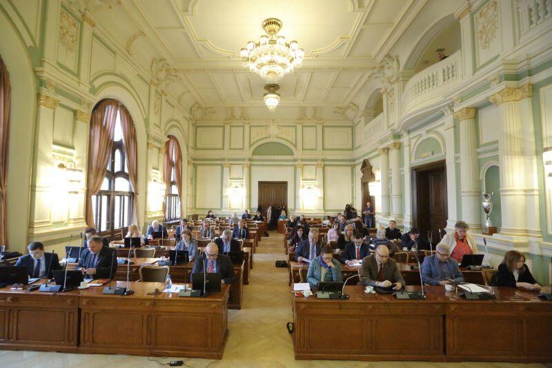 Nadzwyczajna sesja Rady Miasta. Skarga na wojewodę i gorąca dyskusja o skutkach powodzi
