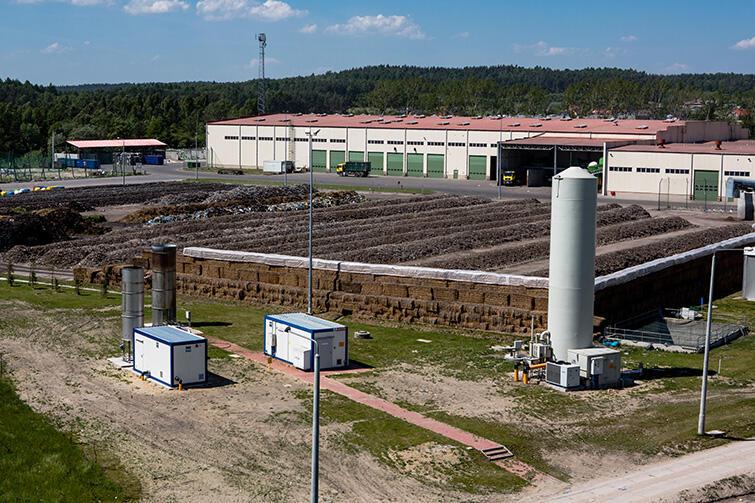 Tak wygląda plac dojrzewania kompostu ZU w Gdańsku - jeden z winowajców przykrych woni na mieście